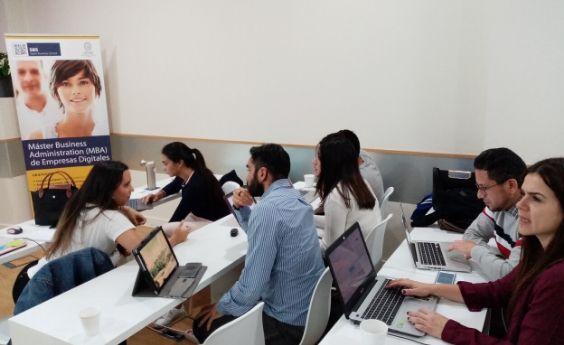 Era digital, ¿MBA tradicional o mejor uno especializado?