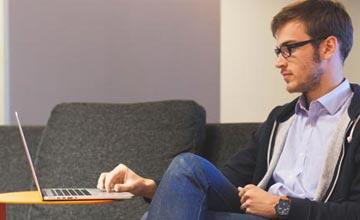 La postura corporal en una reunión de trabajo